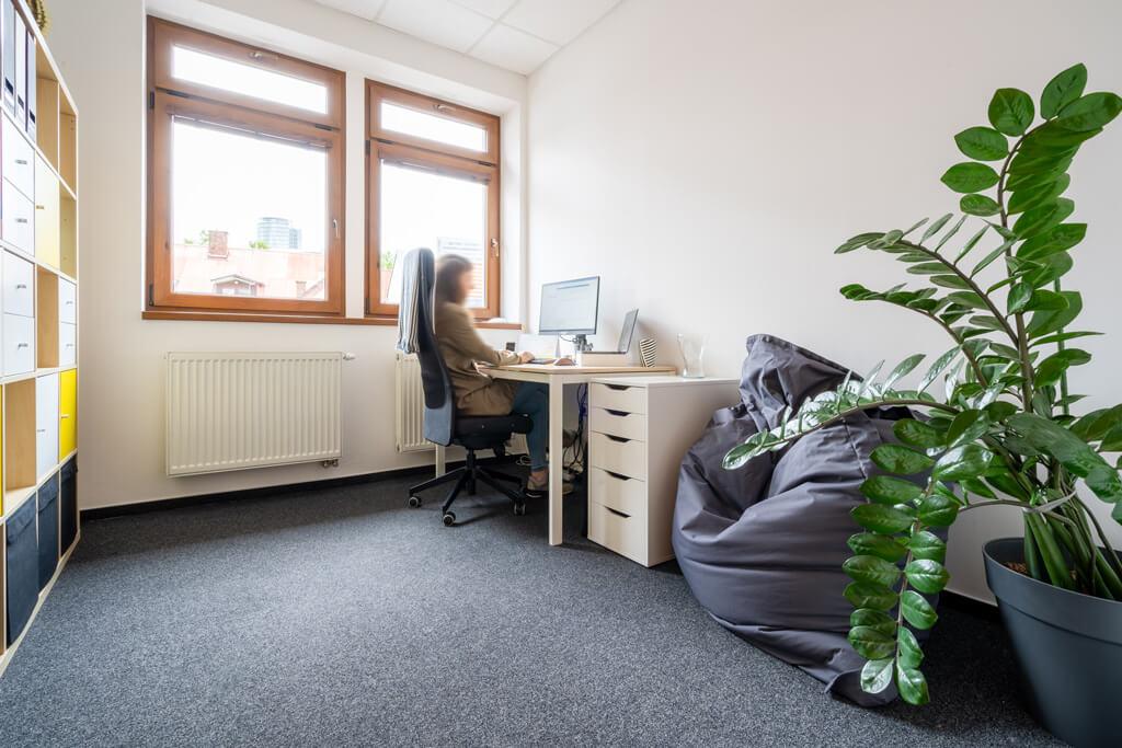 SmartBase kancelária